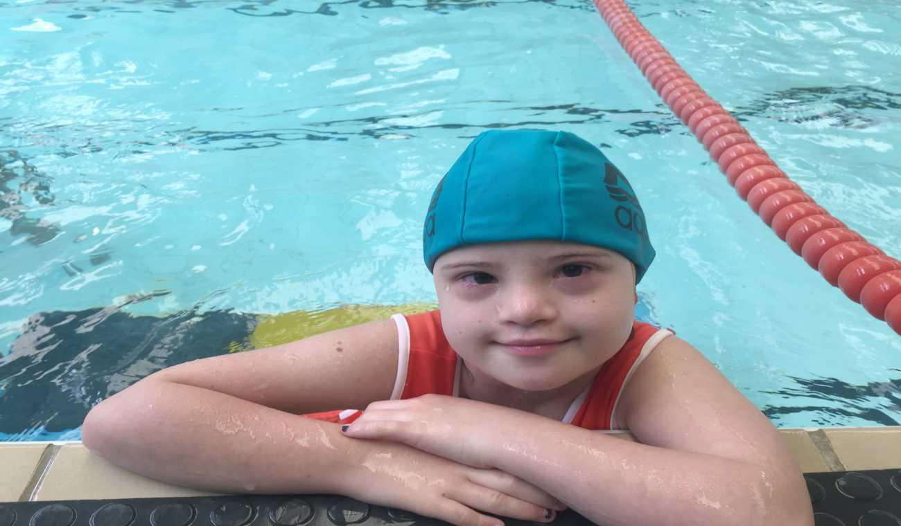 Benefícios da natação para portadores de Síndrome de Down