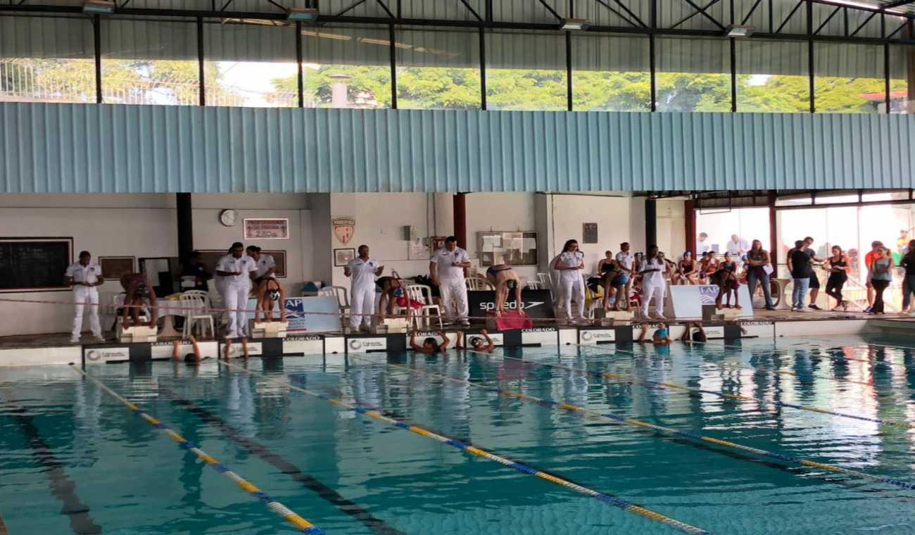 Aquática classifica 12 atletas para disputa do Troféu Kim Mollo