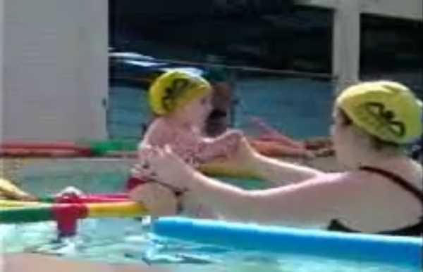 Matéria do SBT sobre a maior aula de natação do mundo
